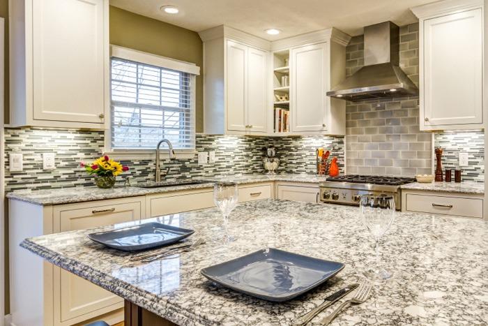 LG Viatera Everest Kitchen